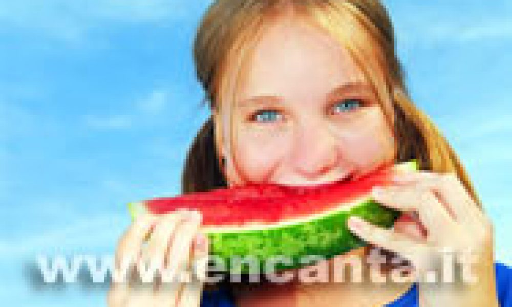 Alimentazione sicura in estate, come evitare rischi inutili